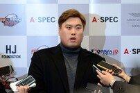 [피플] '류현진의 아재' 김용일 트레이닝 코치, 그 역시 국가대표다!