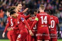 [UCL] 리버풀, 잘츠부르크 완파 '16강 진출'… 황희찬 '풀타임'