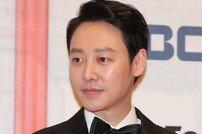 "[DA:피플] 김동욱, '2019 MBC 연기대상' 2관왕 ""데뷔 12년만에…꿈 같아"" (종합)"