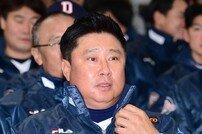 'FA 多·캡틴·이영하' 바라보는 디펜딩 챔프 김태형 감독의 속내