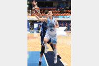 삼성생명, 신한은행 잡고 4위로 점프
