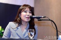 [포토] 이예랑 대표 '많은 대화를 나눈 계약'