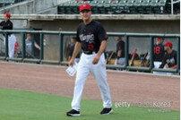 'GG 11회' MLB 名유격수 출신 오마 비스켈, DeNA 임시 코치 맡는다