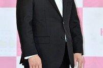 """[종합] 천호진 부친상, 프로레슬러 천규덕 별세 """"'한다다' 촬영 이상무"""" (공식입장)"""