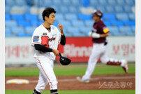 [포토] 김이환 '또 홈런이네'