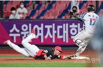 [포토] 김선빈 '너무 늦었어'