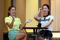 [포토] 웃음 터진 공유진-김보애 골퍼