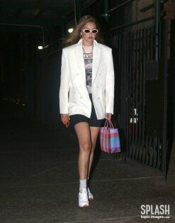 지지 하디드, 장신 모델 다운 늘씬한 팔 다리…패셔니스타의 정석 [포토화보]
