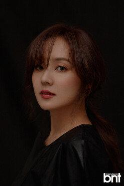 """유진 """"10년 만 영화 '종이꽃', 안성기 선배 출연에 결심"""" [화보]"""