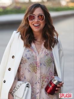 마일린 클라스, 봄기운 가득한 우아한 패션 [포토화보]