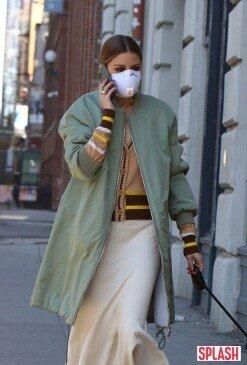 올리비아 팔레르모, 코로나19에도 반려견과 산책하는 일상 [포토화보]