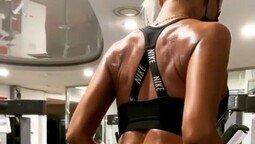 효린, 운동에 열중…탄탄한 구릿빛 몸매 눈길