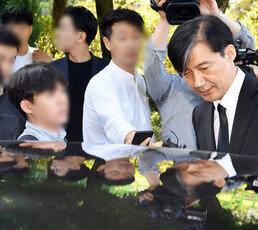 검찰, 조국 5촌 조카 체포…'사모펀드' 수사 새국면