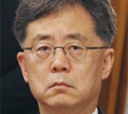'도움 요청땐 호구된다' 했던 김현종, 모습 안보여