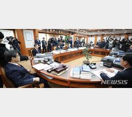 [단독]한국당과 세 번째 충돌…선관위, '비례OO당 시도당' 창당신고 거부했다 철회