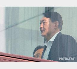 """윤석열 """"대검 중간간부 전원 유임해달라""""…법무부에 의견 전달"""