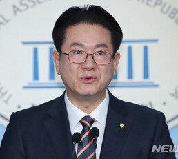 """안철수계 잇따라 통합당 입당… """"살기위한 선택"""" 安 압박 거세질 듯"""