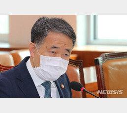 """박능후 """"감염 확산 최대 원인은 中서 온 한국인""""… 강경화 """"中의 한국인 격리는 간섭할 일 아니다"""""""