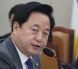 """前검찰간부 """"김두관 자녀 유학비용 어디서?…공수처 1호 대상"""""""