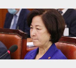"""법무부 '최강욱 SNS' 해명에…""""말이냐 막걸리냐?"""" 논란 증폭"""