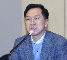 """김기현 """"이인영, 자녀 스위스 유학자금 출처 제출 거부…장관하지 마라"""""""