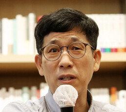 """""""文대통령의 10시간 문제될 것""""…정부 대응 비판한 진중권"""