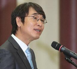 """유시민 '김정은은 계몽군주' 발언에…""""노예근성"""" 비판 여론"""