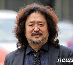 """""""세금으로 음모론 지원하는 꼴""""…김어준, 하차 요구 청원 등장"""