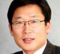 [송평인 칼럼]독재 모습 드러낸 문재인 검찰개혁