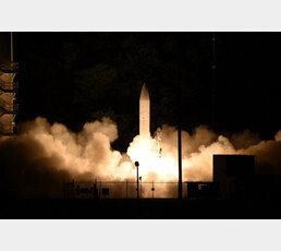 美 극초음속 미사일, 15cm 오차로 중국을 때린다 [웨펀]