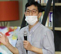 """정진웅 독직폭행 기소…진중권 """"秋가 쪼아대니 그랬겠지"""""""
