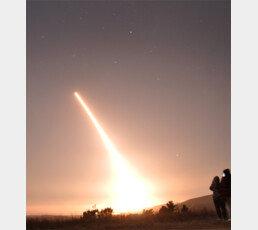 美 '30분내 핵타격' ICBM 또 시험발사