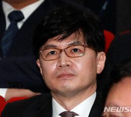 """한동훈 """"유시민 1년간 거짓 선동 계속…필요한 조치 검토"""""""