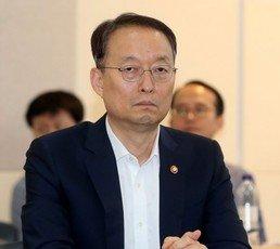 [단독]백운규 전장관 檢출석…'원전평가 조작' 조사받아