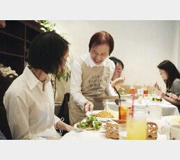 80, 90대 독자의견 가득찬 일본 신문 투고란 [서영아의 100세 카페]