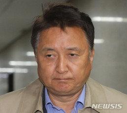 """김영환 """"文대통령, 지금도 가덕도에 가슴 뛰나…난 가슴 무너져"""""""