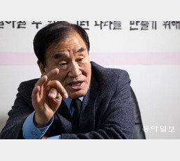 """이재오 """"인기는 거품, 윤석열 확실한 정권교체 본질 밝혀야"""""""