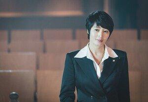 [DAY컷] '하이에나' 김혜수의 두 얼굴, 강렬 혹은 능청