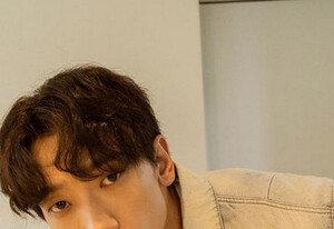 """[DAY컷] 비(정지훈) """"추석 잘 보내세요""""…꾸러기 눈맞춤"""