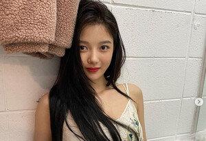 """[DAY컷] """"오랜만"""" 김유정 매혹+러블리+익살 팔색조美"""