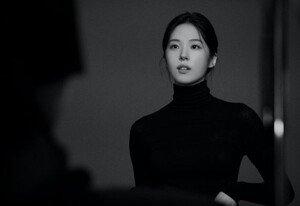 [DAY컷] 서은수 고혹+절제美 (ft.흑백)