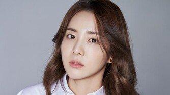 [종합] 산다라박, 17년만에 YG와 결별…2NE1 전원 탈출