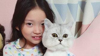 [DA:이슈] 구사랑 고양이 학대 논란, 母 사과에도 비난 여전 (종합)