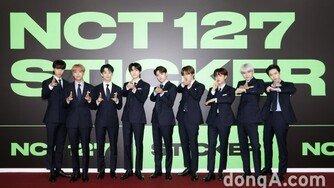 "NCT 127 마크 ""아버지 같은 유영진, 랩메이킹 기회 감사"""
