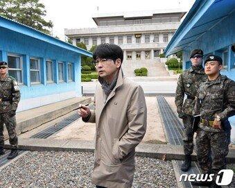 청와대 의전비서관 탁현민…文대통령, 비서관 7명 인사