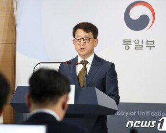 """김여정 '군사합의 파기' 언급에…정부 """"대북전단 살포, 중단해야"""""""