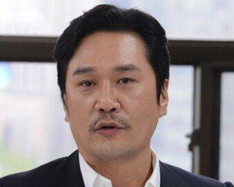 """""""Choo하다"""" JK김동욱, 현 정부 비판글 올렸다가 비난 여론…왜"""