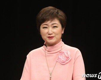 """이언주 """"백신 1호 접종 구경만 한 文, 아직 신분사회인가?"""""""