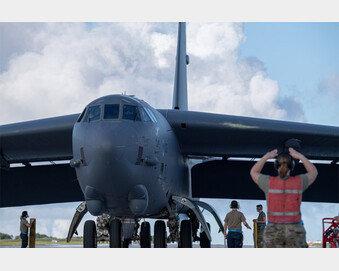 美 3대 핵전력 B-52H 괌 배치… 北-中에 견제구