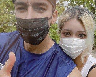 줄리엔강, 19세 연하 여자친구 공개